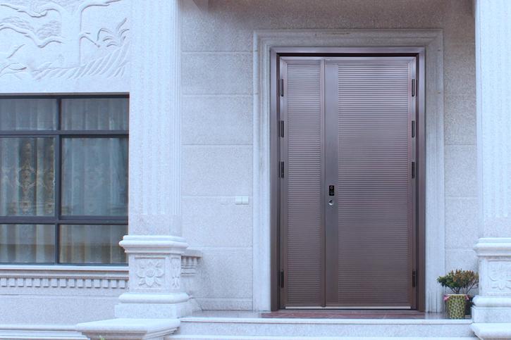 8系铸铝门